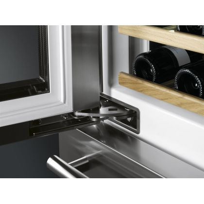 Racitor de vinuri Smeg WF366LDX, 59 cm, rafturi lemn, 54 sticle, 2 zone de racire, multizona