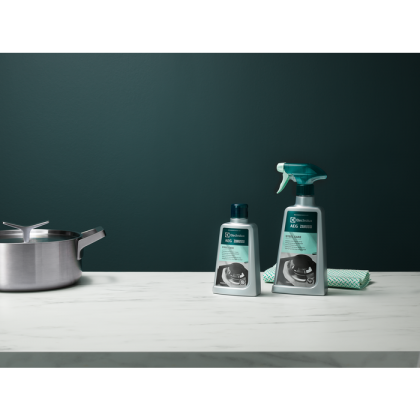 Solutie de curatat inox Electrolux M3SCS200, 500 ml