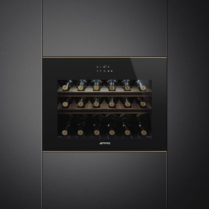 Racitor de vinuri incorporabil compact Smeg Dolce Stil Novo CVI618LWNR2, 18 sticle, balamale stanga, Wifi, finisaje cupru