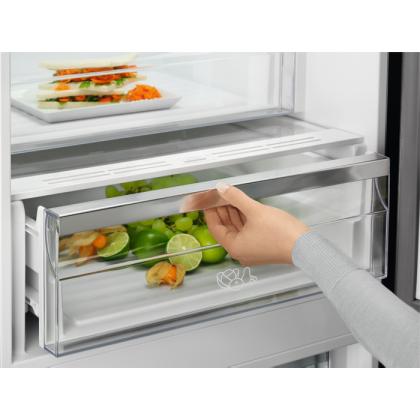 Combina frigorifica Electrolux LNT7ME32M1, 324 litri, A++, Frost free, sticla neagra mata, TwinTech
