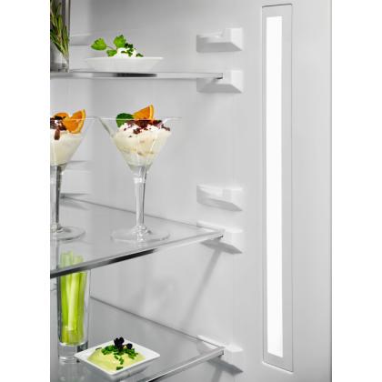Combina frigorifica Electrolux LNT7ME34G1, 360 litri, A++, Frost free, sticla alba, TwinTech