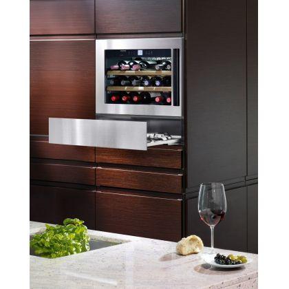 Vitrina de vin incorporabila GrandCru Liebherr WKEes 553, inox, o zona de temperatura individuala, protectie UV, 46 l, 18 sticle