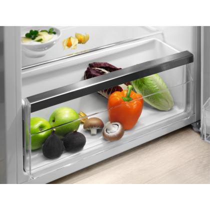Minibar Electrolux LXB1AE13W0, A++, 132 l, alb, 85 cm