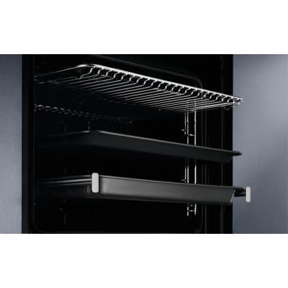 Cuptor incorporabil SteamBoost Electrolux EOB8S39WX, Electric, Abur, 70 L, 21 functii, Sonda carne, Wi-Fi, Ecran LCD, Grill
